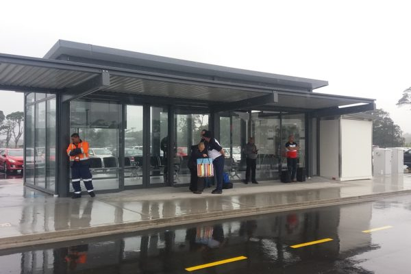 1.0 Auckland Airport Park N Ride