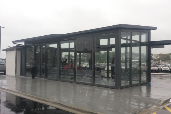 2 . Auckland Airport Park N Ride